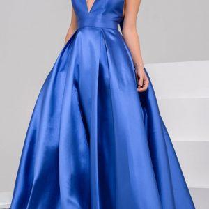 Modré šaty sa hodia na svadbu aj stužkovú