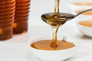 Na odstránenie bradavíc účinkuje aj med