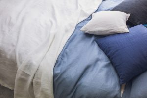 Obliečky na postel v modrej farbe