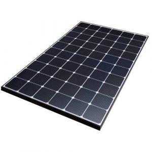 Solarne panely v rôznych veľkostiach